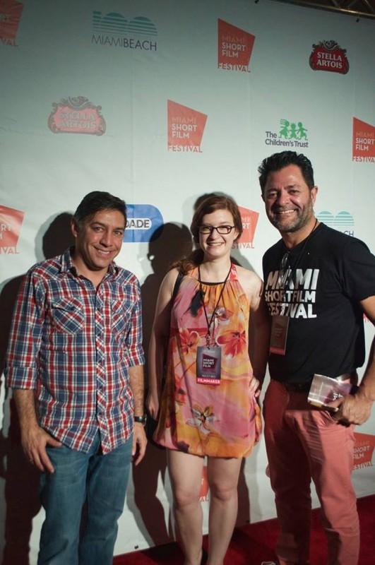Eva Merz mit Sponsor (li) und Festivaldirektor William Vela