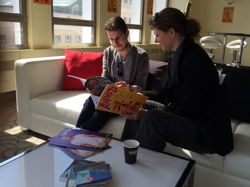 Petra Lottje mit Programmleiter M. Petrov im Festivalbüro