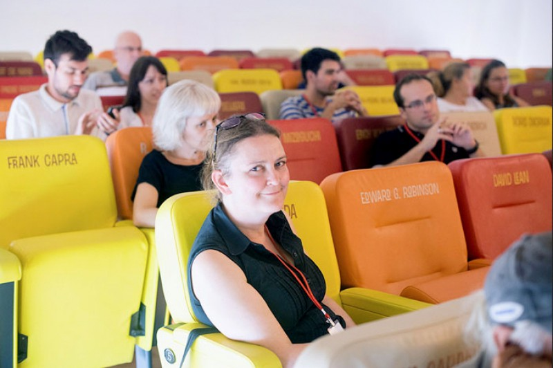 Sabine Schöder in der Kinotheka zlatna vratna